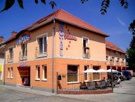 Hotel Viktória szálláshelyek Sárváron