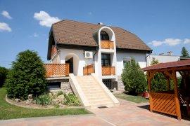 Napfény Villa szálláshelyek Balatonfüreden